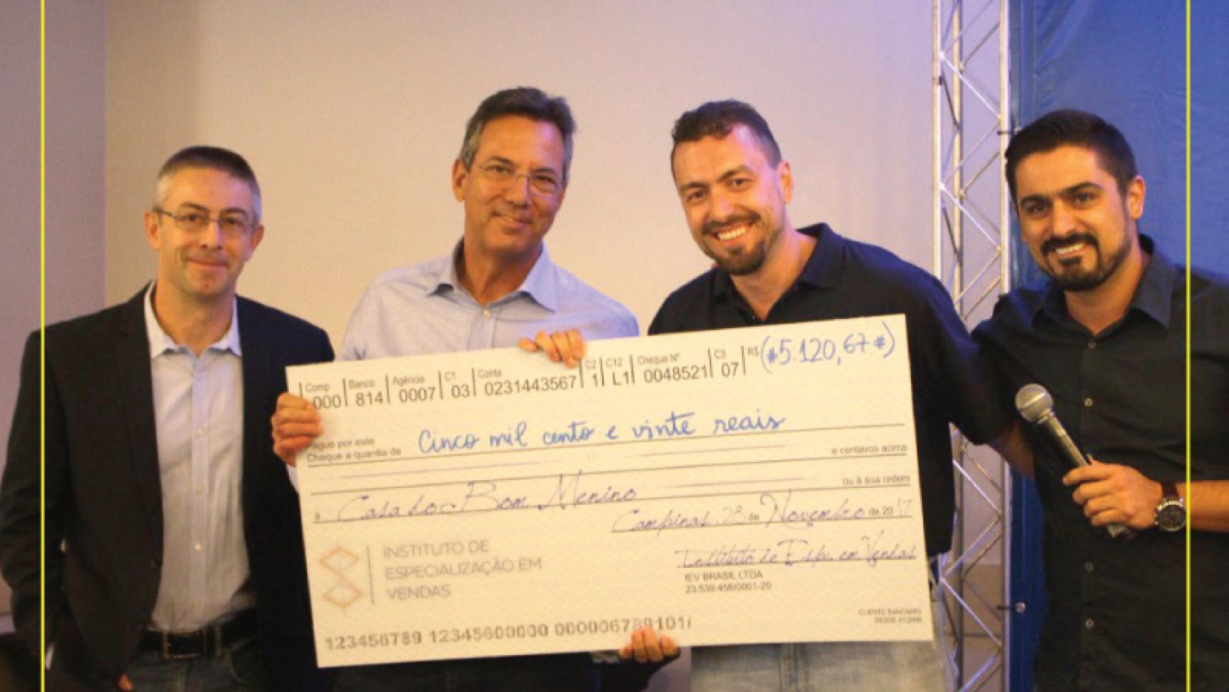 CBM recebe doação do Instituto de Especializações em Vendas